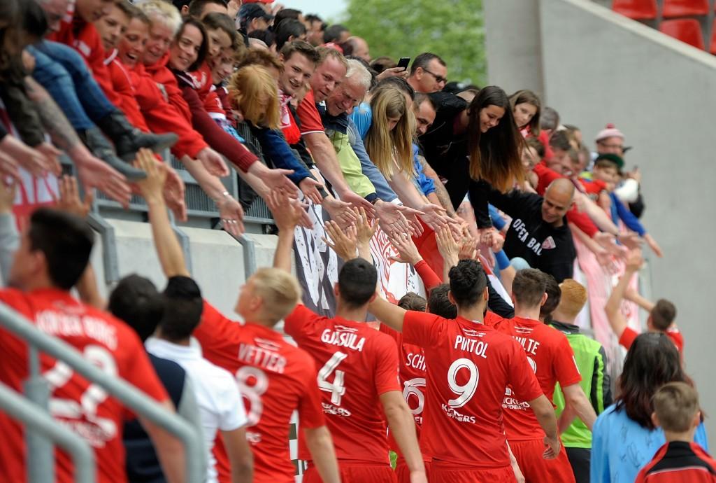 15_der_sieg_reicht_zur_teilnahme_an_den_relegationsspielen_und_auch_der_meistertitel_ist_unseren_kickers_sicher._wir_sind_stolz_auf_euch__jungs__